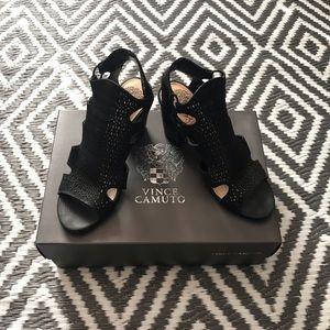 Vince Camuto Black Vintage Cow Heels. Size 6.